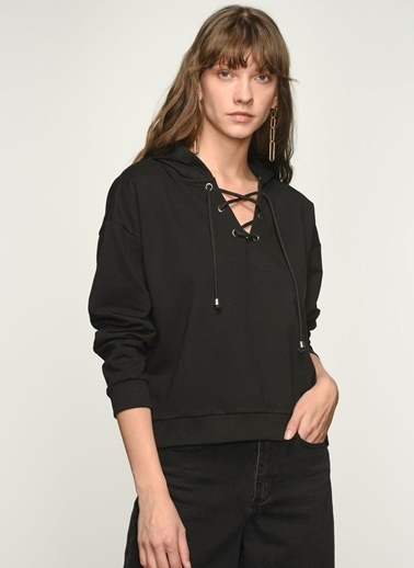NGSTYLE NGKAW21SW0036 Kuşgözü Detaylı Sweatshirt Siyah